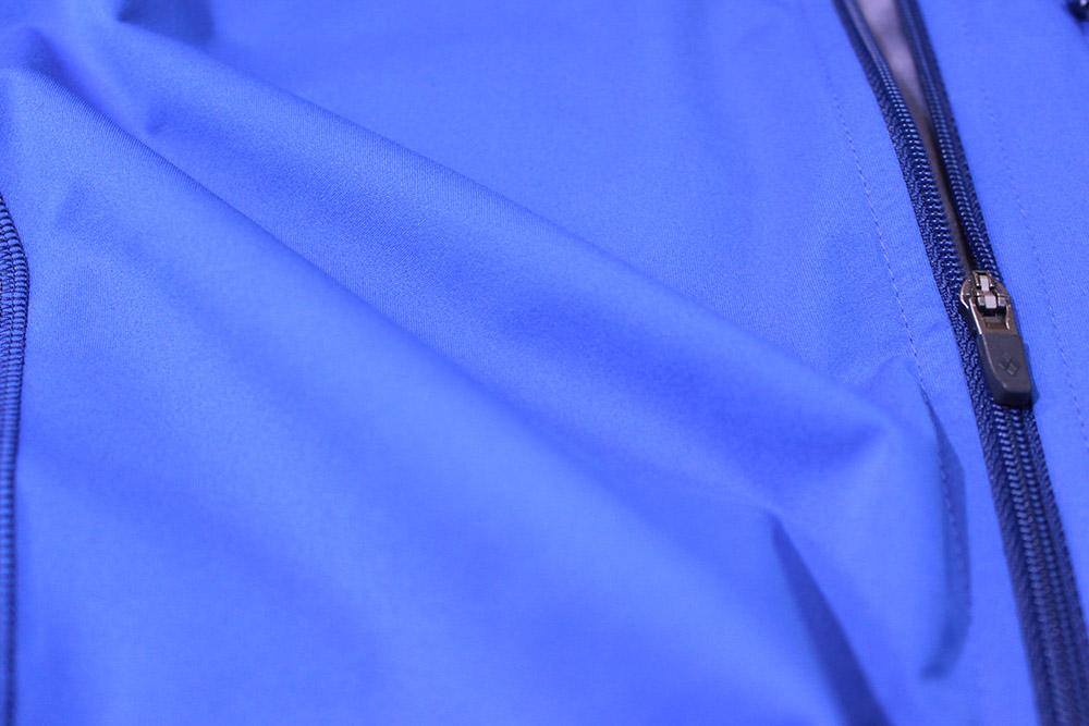 mont-bell(モンベル) クロスランナー ジャケット クリマバリアを採用した前面