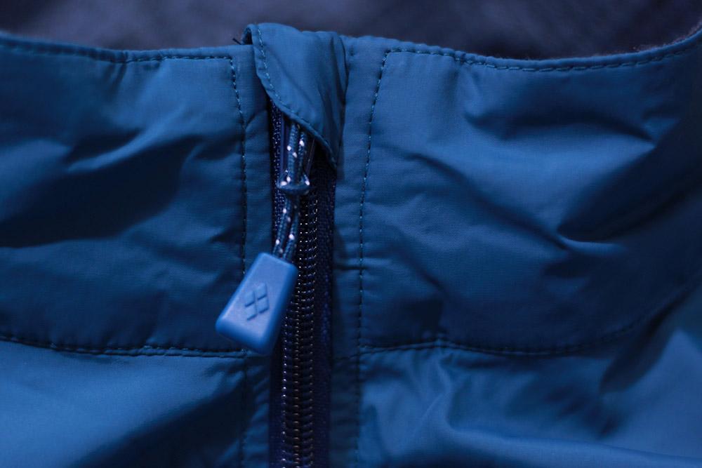 mont-bell(モンベル) ライトシェルジャケット ジッパーが顎にあたらない設計