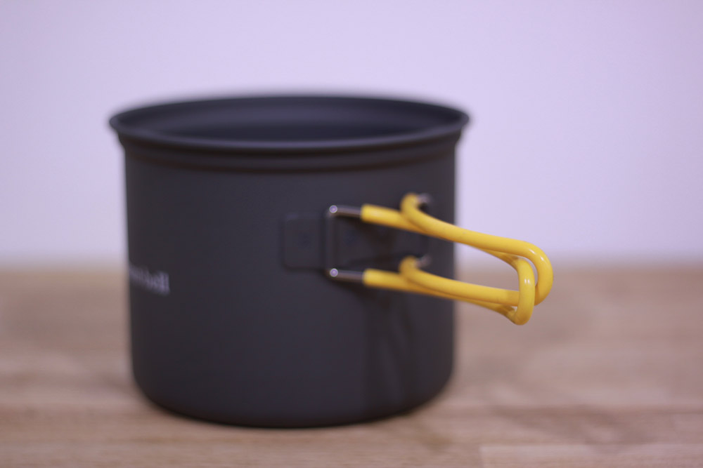 mont-bell(モンベル) アルパインクッカーディープ13 1124694 ハンドルは交差させて使用することでぐらつきの軽減につながります