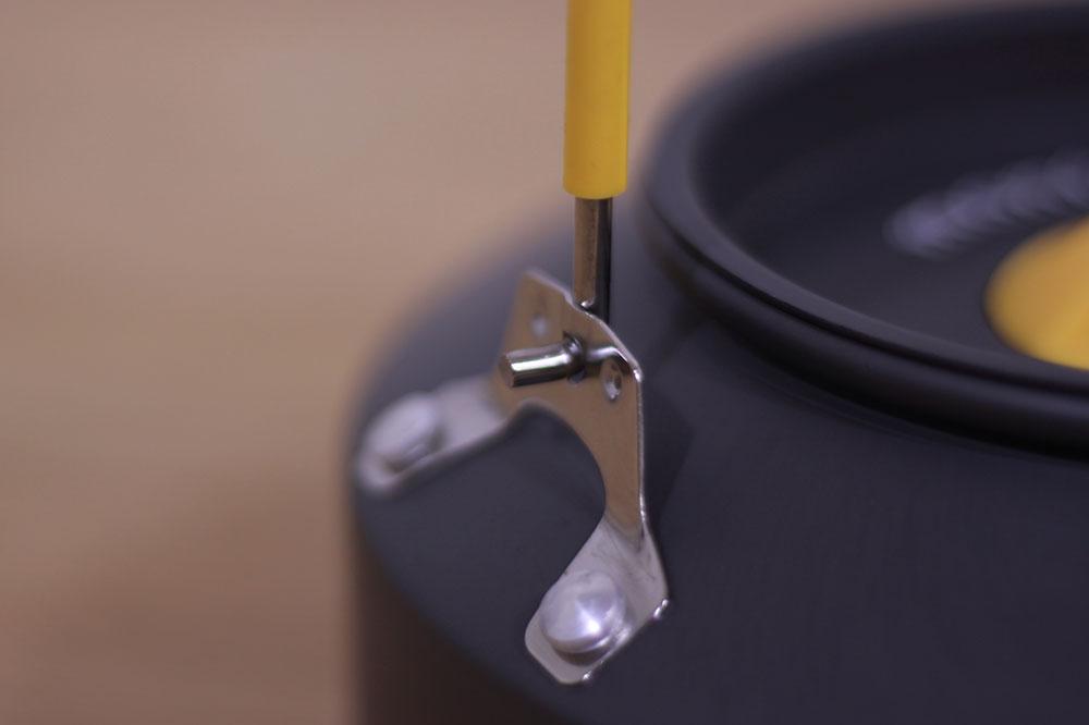 mont-bell(モンベル) アルパインケトル0.9L 1124701 ハンドルが倒れない設計