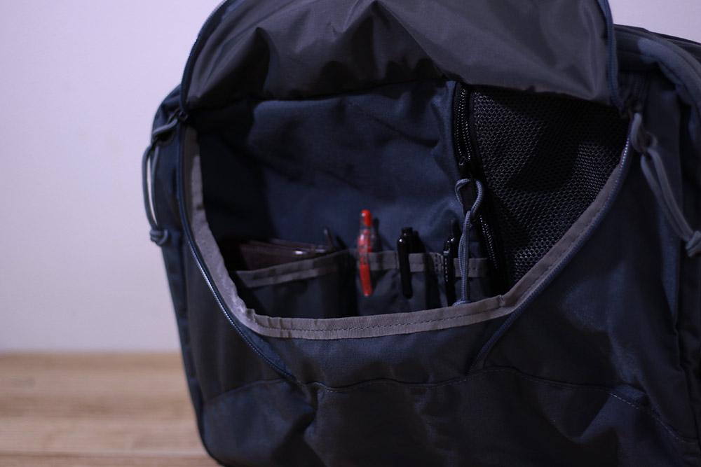 MysteryRanch(ミステリーランチ) 3WAY ゆとりある容量のサイドポケット