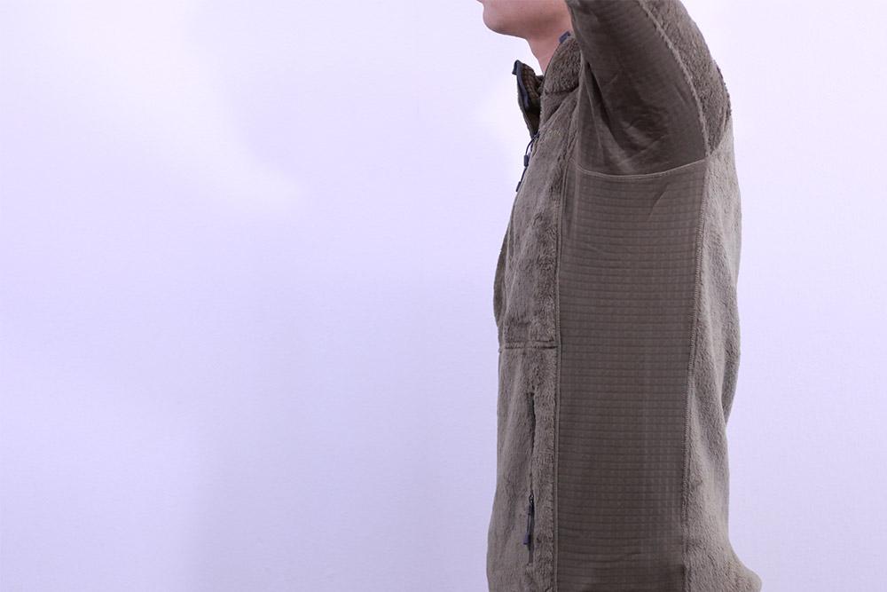 パタゴニア R2ジャケット パワーグリッドを使用してストレッチ性にも優れた脇箇所