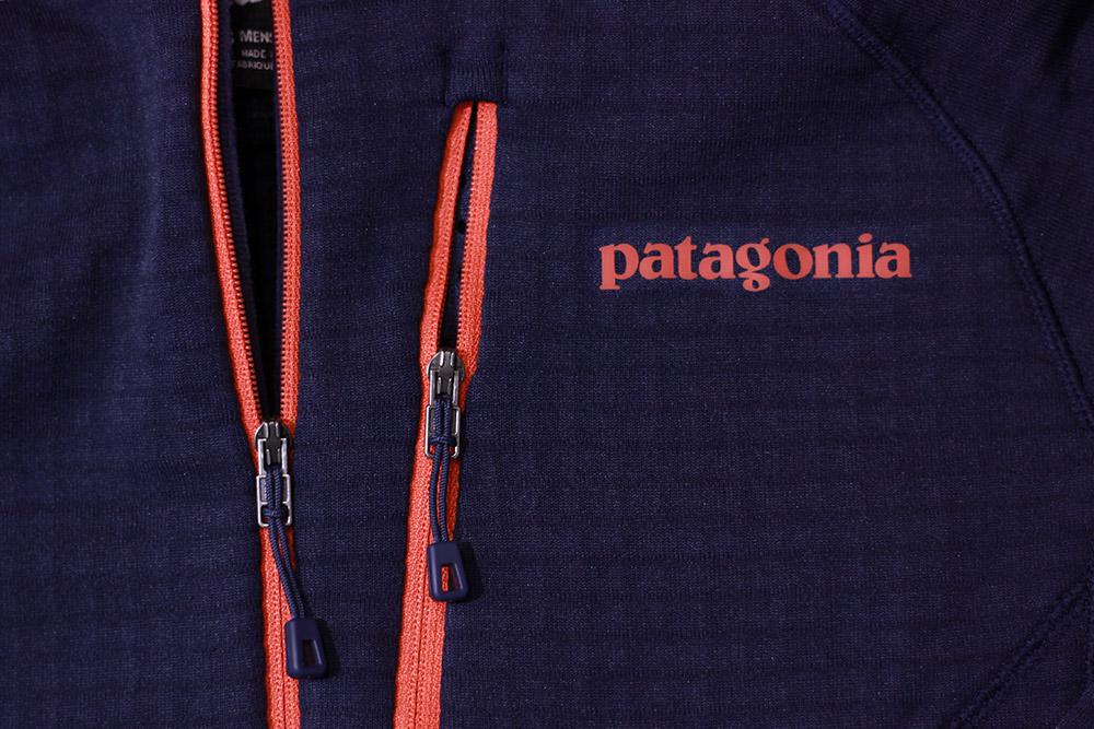パタゴニア R1 フーディー フロントジッパーと胸部