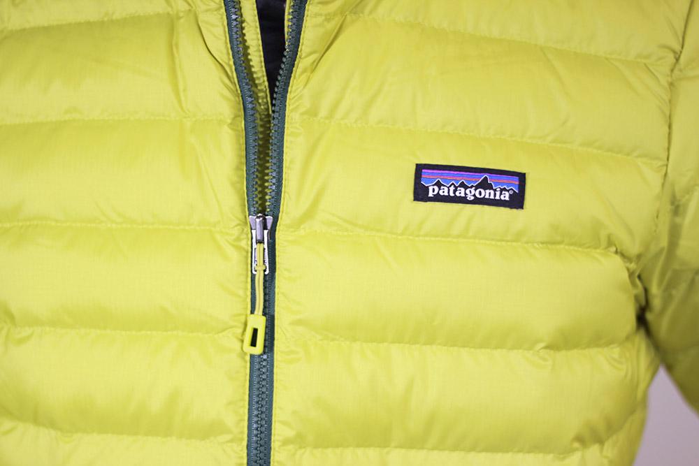 patagonia(パタゴニア) M's Down Sweater Hoody 84701 胸部デザイン